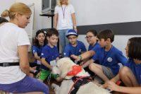 Terapia cu animale - atelier in premieră la Facultatea de Sociologie și Asistență Socială