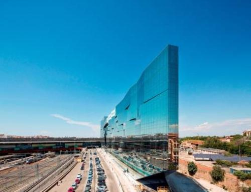 Sticla pentru control solar de la Guardian oferă arhitecților libertatea de a se juca cu reflexii și culori, în sediul BNL-BNP Paribas din Roma