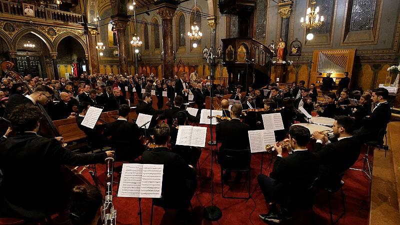 Orchestra Română de Tineret la Catedrala Sf. Iosif Foto Virgil Oprina